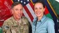 Petraeus gibt Geheimnisverrat zu