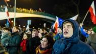 Die Demonstranten störten sich an Plänen der Regierung, die Berichterstattung aus dem Parlament einzuschränken.