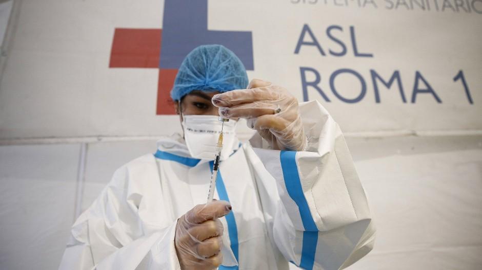 Auch Schutzausrüstung gegen das Coronavirus wurde in italienischen Krankenhäusern veruntreut.