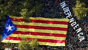 Protestler fordern Unabhängigkeit Kataloniens