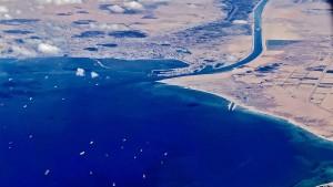 Abermals Schiff im Suezkanal stecken geblieben
