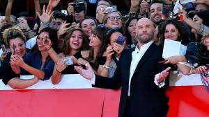 Travolta verdreht Fans den Kopf