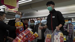 Bewaffnete erbeuten in Hongkong hunderte Rollen Klopapier