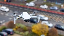 Erpresser und Terroristen greifen mit Drohnen an