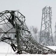 Geknickte Infrastruktur: Im November 2005 zerstörte ein Schneesturm im Münsterland viele Leitungen. Tagelang gab es keinen Strom.