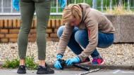 Schießerei in Flörsheim: Ermittler untersuchen die mutmaßliche Tatwaffe.