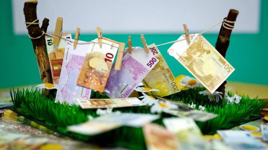 Eine Einschränkung von Bargeldgeschäften soll als Maßnahme gegen Geldwäsche helfen.