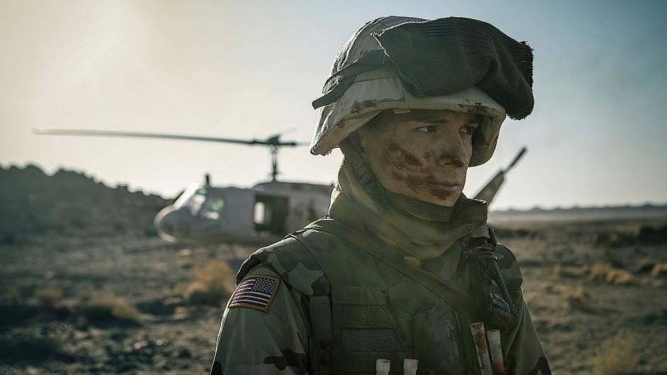 """Aus Liebeskummer in der Army und gleich nach Irak: Tom Holland als """"Cherry"""" – so heißen ahnungslose Frischlinge im Slang der Truppe."""