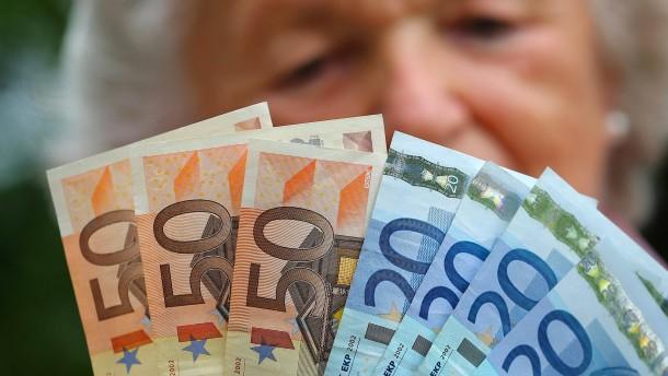 Rentner zahlen mehr als 33 Milliarden Euro Einkommensteuer