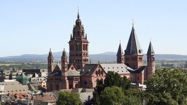 Bistum Mainz ermittelt gegen Priester im Ruhestand