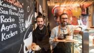 Die Kunst eines guten Frühstücks: Rachid El Ofairi (rechts) ist Inhaber des Aniis.