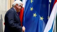 Außenminister Steinmeier will rasch handeln nach dem Brexit-Votum. Die Kanzlerin sieht das etwas anders.