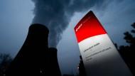 22 Milliarden Euro soll der Atomausstieg die Stromkonzerne Eon, RWE und Vattenfall gekostet haben. Am Dienstag und Mittwoch entscheidet das Bundesverfassungsgericht über die Klage.