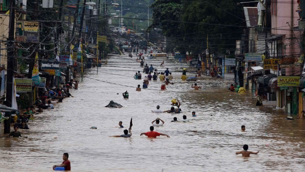 Dutzende Tote in China und auf den Philippinen