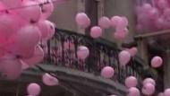 Rosa Regen am Bosporus