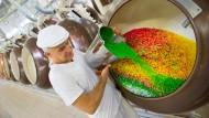 Zu viel davon kann ungesund sein: Liebesperlen-Fabrikation in Görlitz