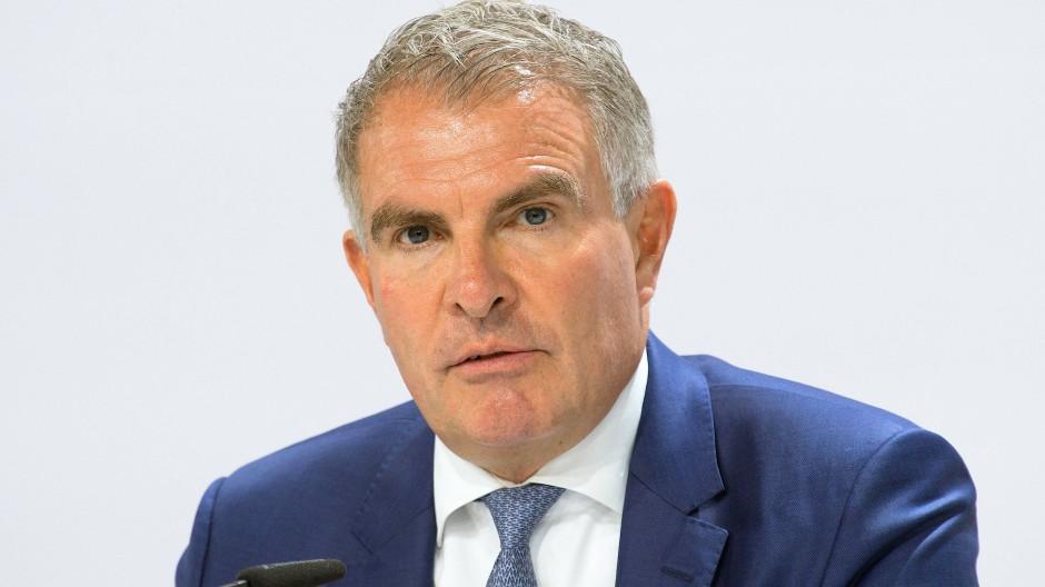 Carsten Spohr muss Lufthansa durch die schwierigste Zeit der Konzerngeschichte steuern.