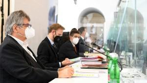 """Van der Bellen soll Gerichtsbeschluss gegen Ministerium """"exekutieren"""""""