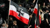 Neonazi-Nachwuchs: Rechtsextremisten bei einer Demonstration in Frankfurt im Jahr 2007