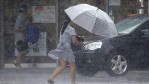 """Taifun """"Lekima"""" fegt über Taiwan"""