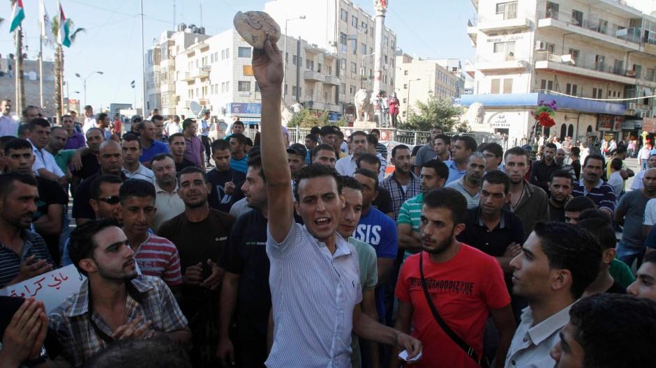 """""""Wir wollen nicht verhungern"""", riefen protestierende Palästinenser."""
