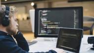 In der Industrie verlieren die Ingenieure an Bedeutung, und die Informatiker werden immer wichtiger.