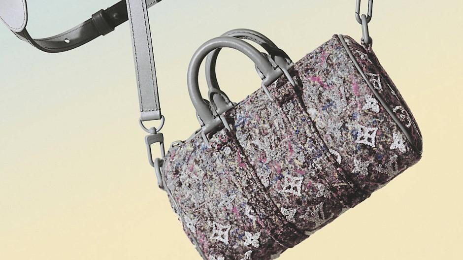 Gehören die Polyester-Restbestände immer noch in den Müll? Bei Louis Vuitton nicht mehr: Aus ihnen wird das Futter dieser Filz-Tasche hergestellt.