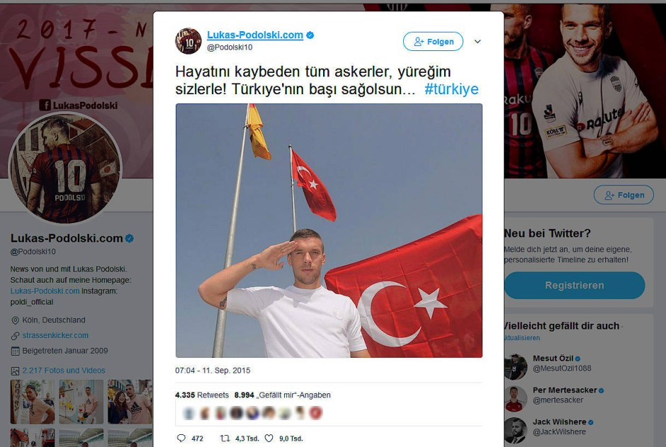 Keiner ist schneller als Polizist Lukas Podolski klatsch