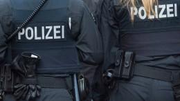 Polizei löst Versammlung in Wiesbaden auf