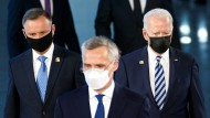 Polens Präsident Andrzej Duda (l.) am Brüsseler NATO-Gipfel am Montag