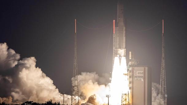 Erster Ariane-5-Start seit Kursabweichung erfolgreich