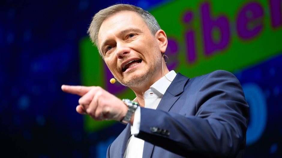 Lindner kritisiert Abgabe auf Abgase