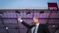 Tapfer und würdevoll: Martin Schulz auf einer Kundgebung der SPD in Kassel