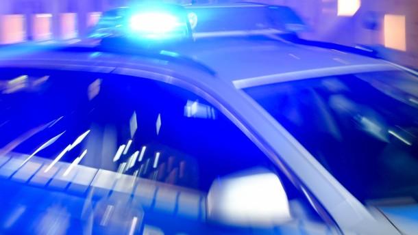 Eintracht-Anhänger attackieren Zug mit Lilien-Fans
