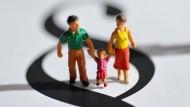 Viele Väter freuen sich über das neue Sorgerechts-Urteil. Doch wie geht es den Kindern?
