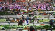 Keine Mangelwirtschaft (mehr): Markt für Lebensmittel im südchinesischen Nanning.
