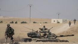 275.000 Menschen sind auf der Flucht vor türkischen Angriffen