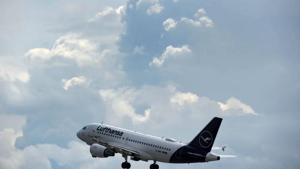 Lufthansa-Aktionäre stimmen für Rettungspaket