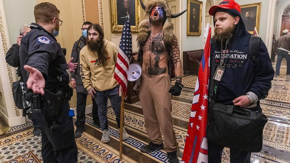 Trump-Unterstützer im Kapitol: Die Ausschreitungen vom 06. Januar 2021 sorgten weltweit für Entsetzen.