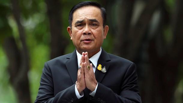 Putsch-General Prayut zum Ministerpräsidenten gewählt