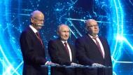 Daimler-Chef Zetsche, der russische Präsident Putin und der deutsche Wirtschaftsminister Altmeier bei der Eröffnung der neuen Fabrik.