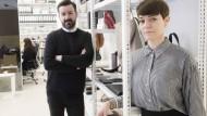 Rams-Interpreten: Dimitrios Tsatsas und Esther Schulze-Tsatsas in ihrem Frankfurter Atelier. Die Tasche ist eine Neuauflage des Modells, das Dieter Rams einst für seine Frau entworfen hatte.