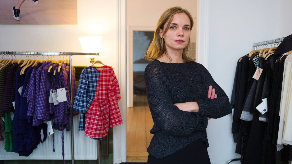 In Frankfurt gründete sie ihre Marke. Jetzt ist Nina Hollein in New York tätig – wo Frauen mutiger mit Mode umgehen als an den meisten anderen Orten auf der Welt.