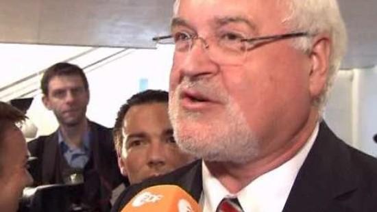 Carstensen wieder Ministerpräsident in Kiel