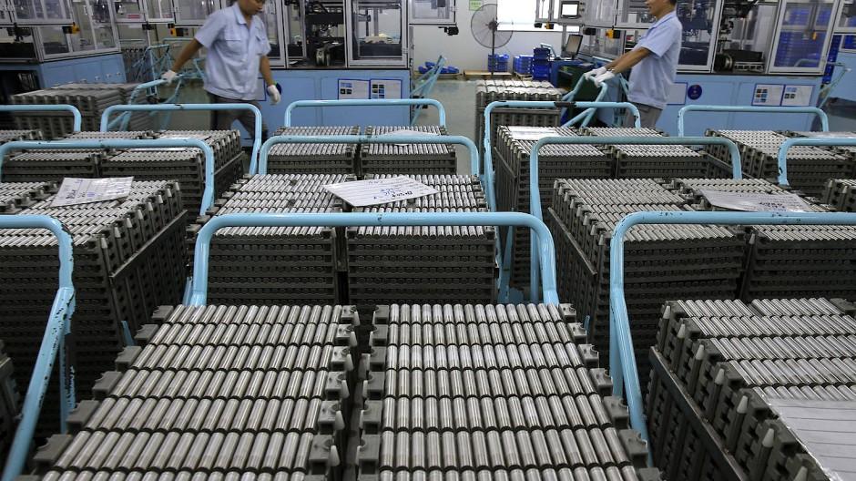 Wagen mit Lithium-Ionen-Batterien in der ostchinesischen Provinz Jiangsu