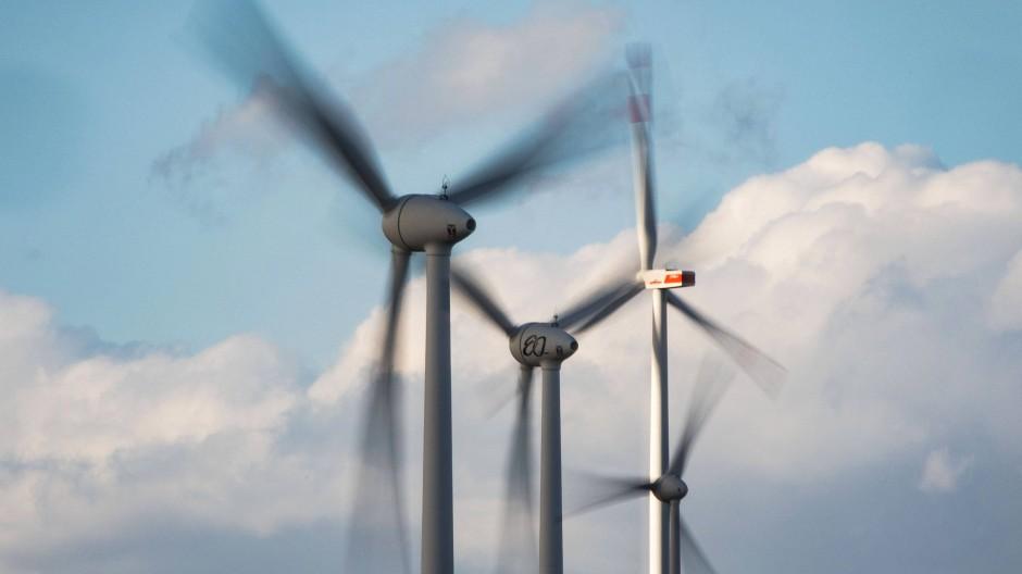 Der Windkraft in Hessen geht die Puste aus: 2019 sind noch keine neuen Anlagen gebaut worden.