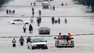Die texanische Großstadt Houston versinkt in Wassermassen.