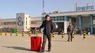 Abgeschoben: Junger Mann nach seiner Rückkehr aus Deutschland nach Kabul