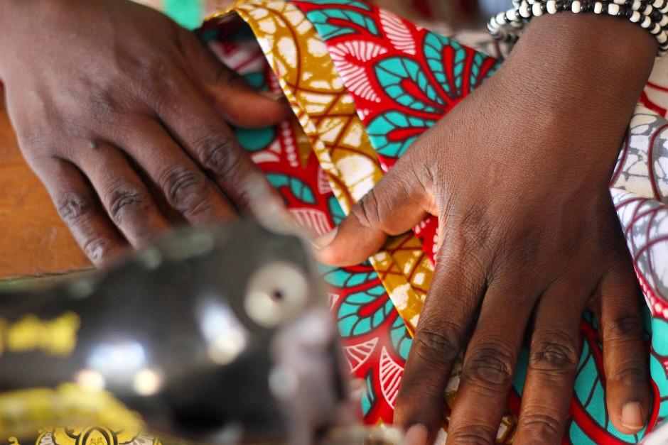 Mode trotz Krise: Kleider, Hosen, Kissen und Laptoptaschen aus dem Kongo