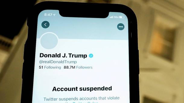 Trump verklagt Facebook, Google und Twitter